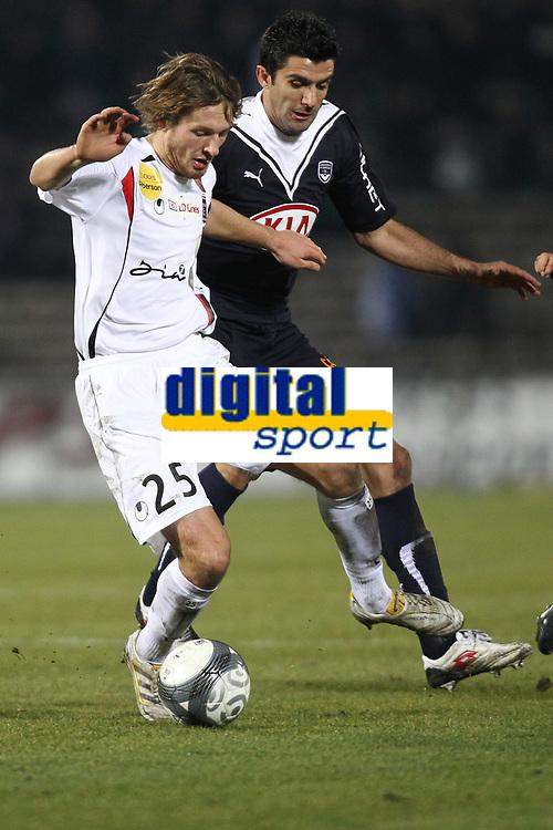 FOOTBALL - FRENCH CHAMPIONSHIP 2009/2010 - L1 - GIRONDINS BORDEAUX v US BOULOGNE - 30/01/2010 - PHOTO ERIC BRETAGNON / DPPI - DAMIEN MARCQ (BOU) / FERNANDO (BOR)