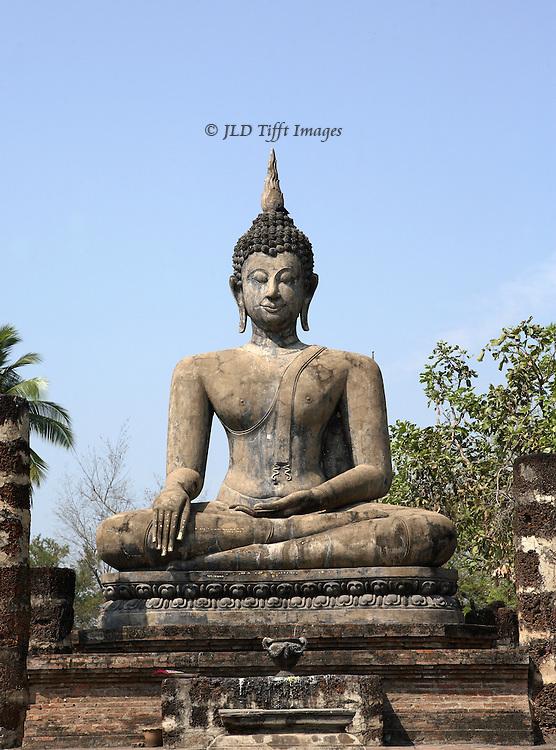 Sukothai, Thailand, statue of seated Buddha at Wat Trapang Nguyen.  Frontal view.