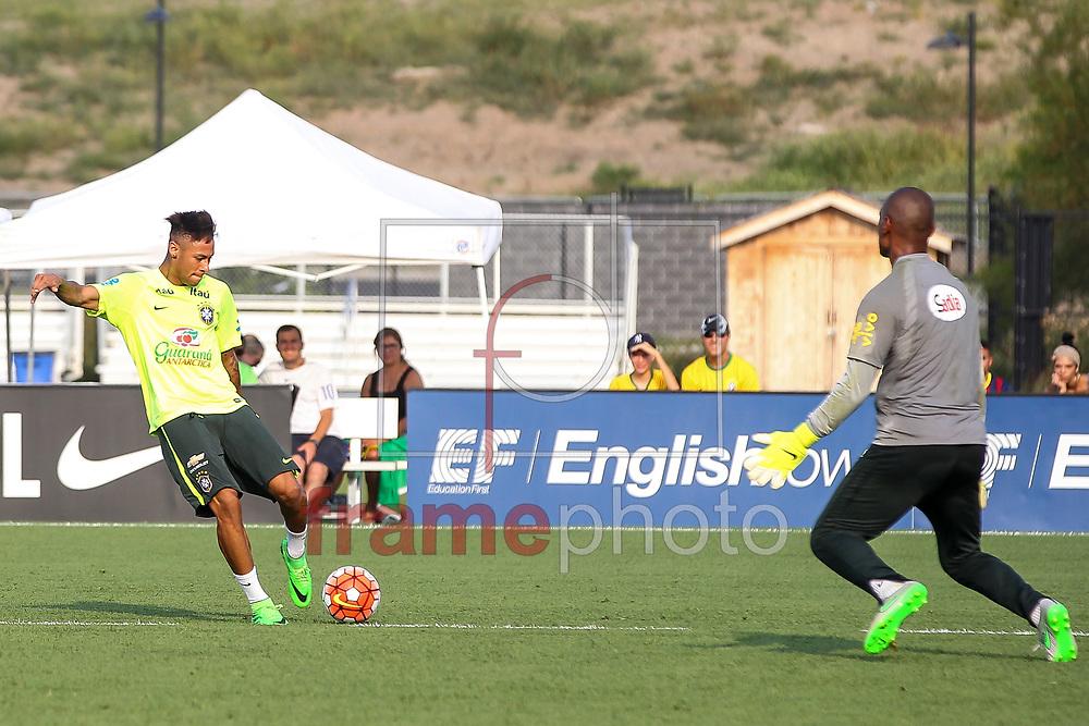 Nova Jersey, EUA - 01/09/2015 - Neymar e Jefferson no Segundo dia de treino da seleção Brasileira no centro de treinamento do NY Red Bulls  Foto: Wagner AZ /Frame