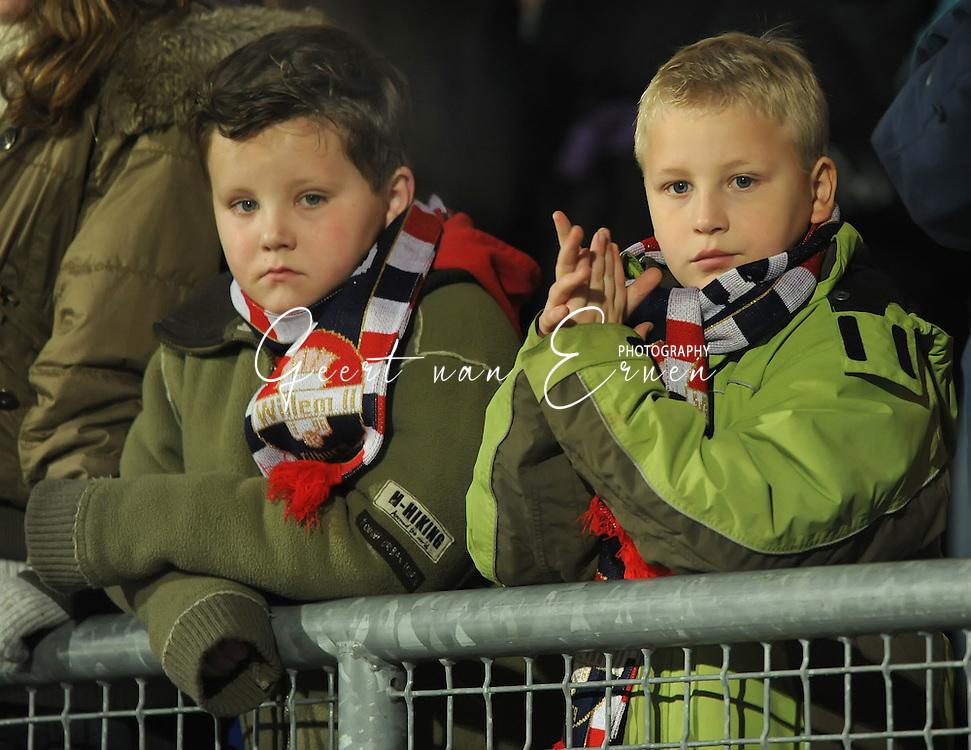 14-03-2009 Voetbal:Willem II:FC Twente:Tilburg<br /> Twee jonge Willem II supporters<br /> Foto: Geert van Erven