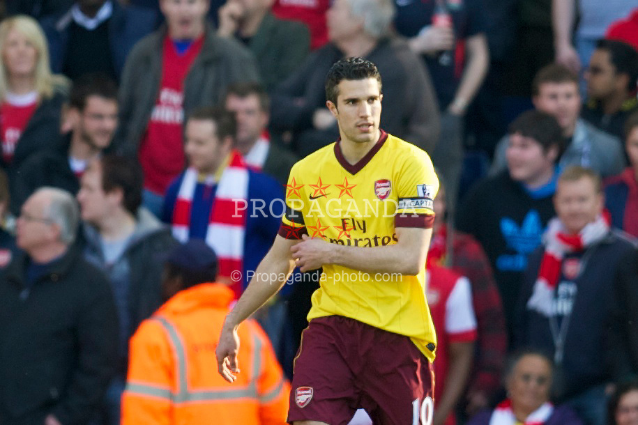 WEST BROMWICH, ENGLAND - Saturday, March 19, 2011: Arsenal's Robin Van Persie looks dejected as West Bromwich Albion score the opening goal during the Premiership match at the Hawthorns. (Photo by David Rawcliffe/Propaganda)