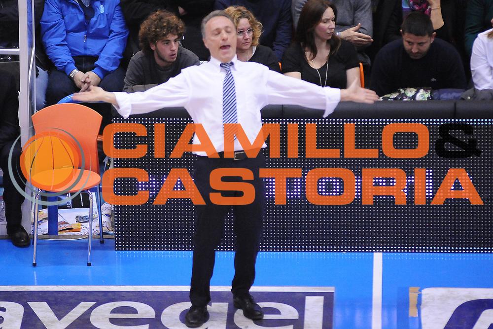 DESCRIZIONE : Brindisi  Lega A 2014-15 Enel Brindisi Vitasnella Cant&ugrave;<br /> GIOCATORE : Bucchi Piero <br /> CATEGORIA : Allenatore Coach Delusione<br /> SQUADRA : Enel Brindisi<br /> EVENTO : Campionato Lega A 2014-2015<br /> GARA :Enel Brindisi Vitasnella Cant&ugrave;<br /> DATA : 22/03/2015<br /> SPORT : Pallacanestro<br /> AUTORE : Agenzia Ciamillo-Castoria/M.Longo<br /> Galleria : Lega Basket A 2014-2015<br /> Fotonotizia : Brindisi  Lega A 2014-15 Enel Brindisi Vitasnella Cant&ugrave;<br /> Predefinita :