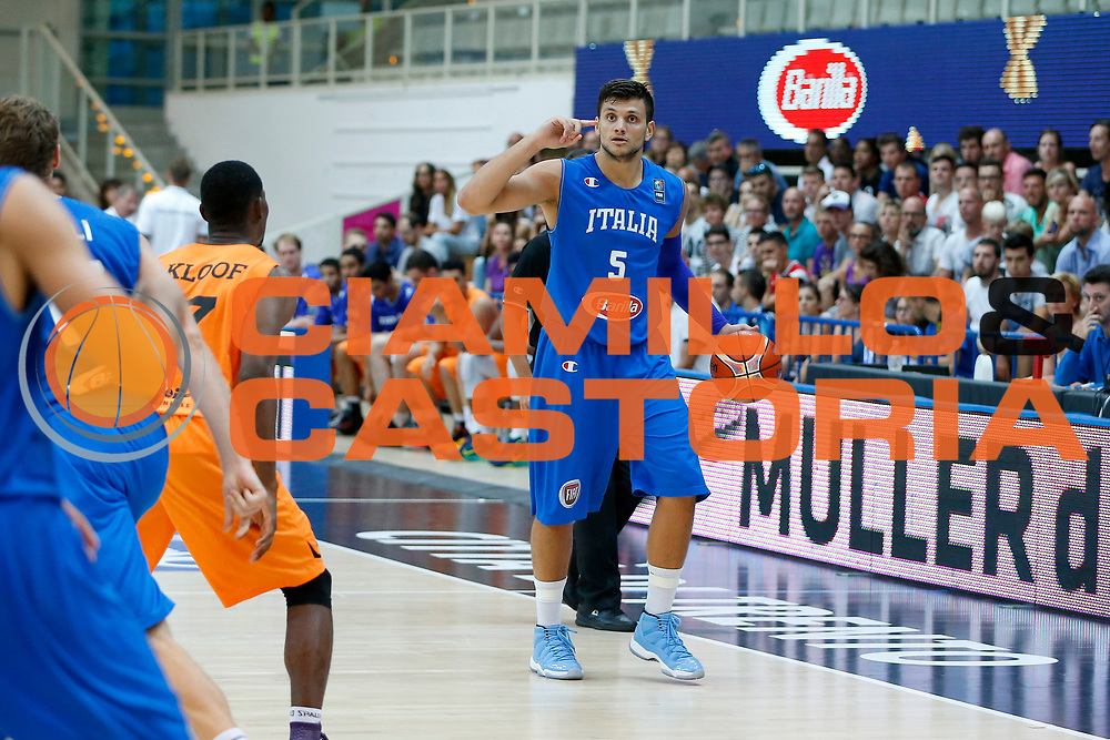 DESCRIZIONE : Trento Nazionale Italia Uomini Trentino Basket Cup Italia Paesi Bassi Italy Netherlands <br /> GIOCATORE : Alessandro Gentile<br /> CATEGORIA : Palleggio Schema<br /> SQUADRA : Italia Italy<br /> EVENTO : Trentino Basket Cup<br /> GARA : Italia Paesi Bassi Italy Netherlands<br /> DATA : 30/07/2015<br /> SPORT : Pallacanestro<br /> AUTORE : Agenzia Ciamillo-Castoria/G.Contessa<br /> Galleria : FIP Nazionali 2015<br /> Fotonotizia : Trento Nazionale Italia Uomini Trentino Basket Cup Italia Paesi Bassi Italy Netherlands