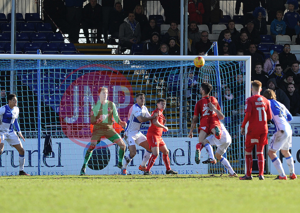 Goalmouth action, Bristol Rovers v Swindon Town - Mandatory by-line: Neil Brookman/JMP - 28/01/2017 - FOOTBALL - Memorial Stadium - Bristol, England - Bristol Rovers v Swindon Town - Sky Bet League One