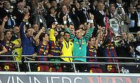 FUSSBALL      CHAMPIONSLEAGUE  FINALE     SAISON 2010/2011  28.05.2011 FC Barcelona - Manchester United FC  Champions League Sieger 2011:  FC Barcelona  feiert den Sieg Jubel mit Pokal Bojan Krkic, Daniel Alves, Victor Valdes, Xavi Hernandez , Eric Abidal  (v. li., Barca)