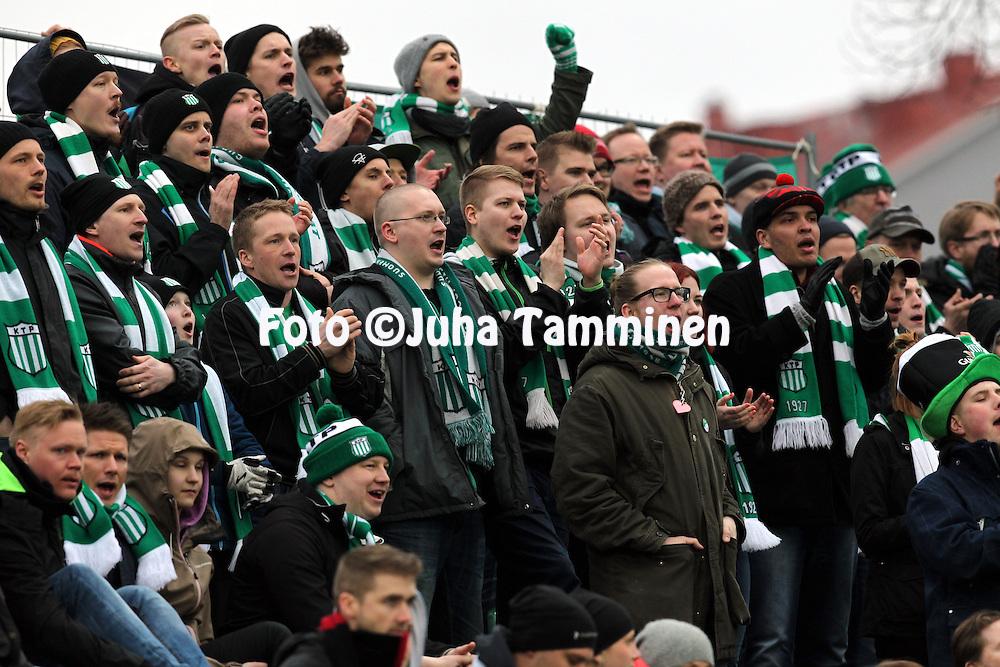 12.4.2015, Kisapuisto, Lahti.<br /> Veikkausliiga 2015.<br /> FC Lahti - FC KTP.<br /> KTP:n kannattajat katsomossa.