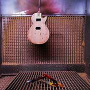 Making basses ang guitars by hand