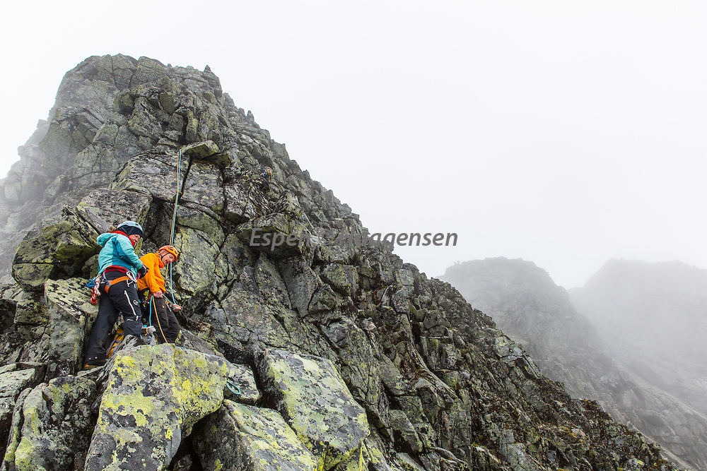 The last climbing pitch on Austabotntind