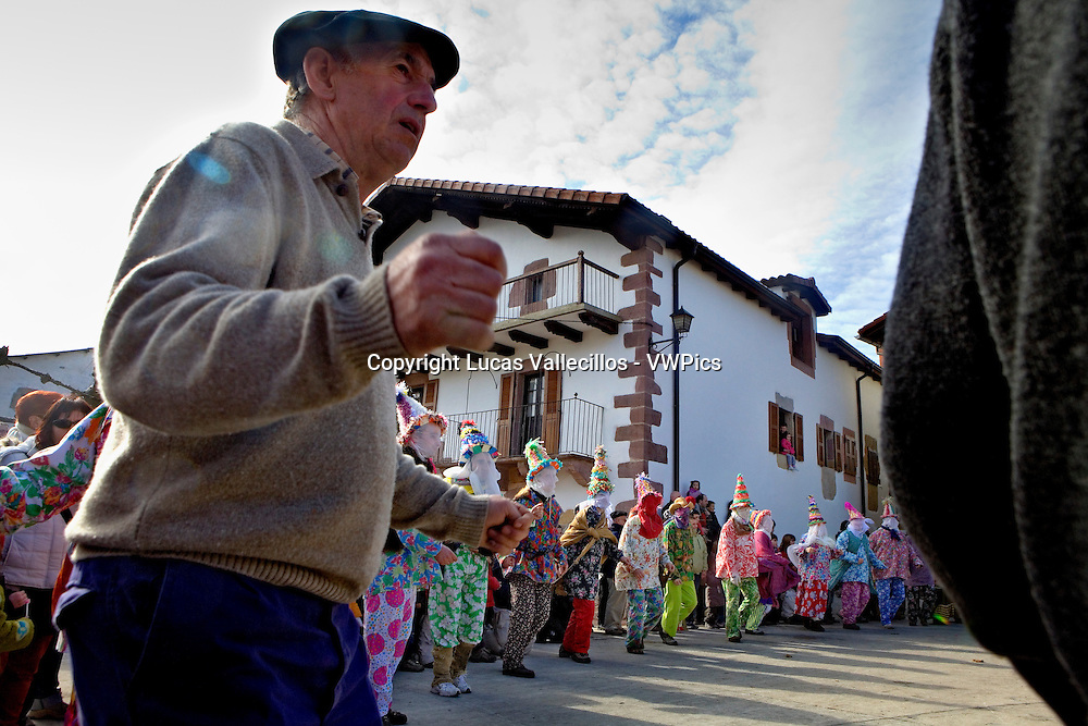 Txatxos dancing the Zortziko dance. In Frontón´. Lantz carnival. Navarra. Spain
