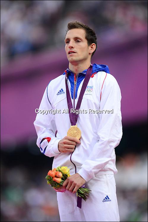 Renaud Lavillenie (Fra) médaille d or - podium saut a la perche hommes -