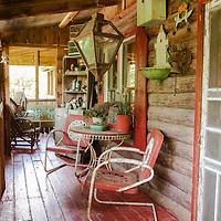 Rustic Cabin: Porch overall