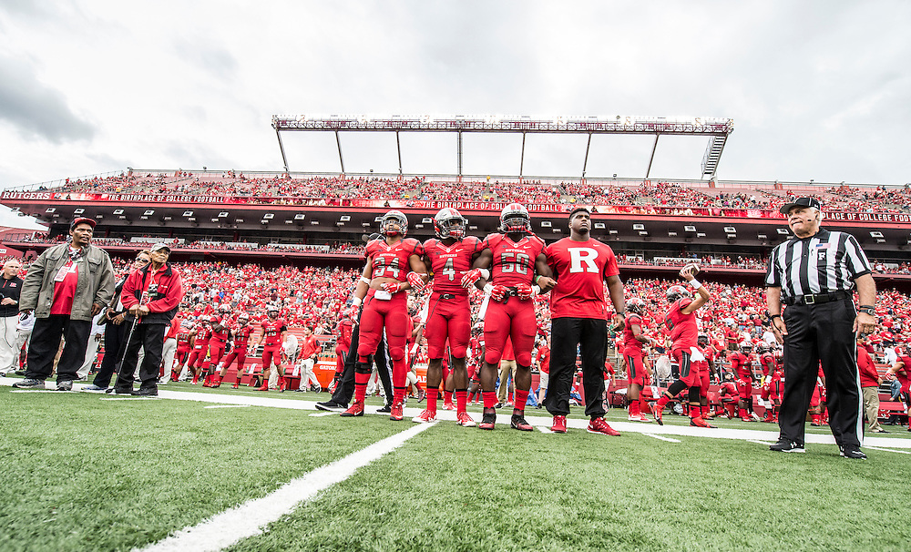 The Rutgers Scarlet Knights football team takes on Washington State at High Point Solutions Stadium on Saturday afternoon September 13, 2015.<br /> Ben Solomon/Rutgers Athletics