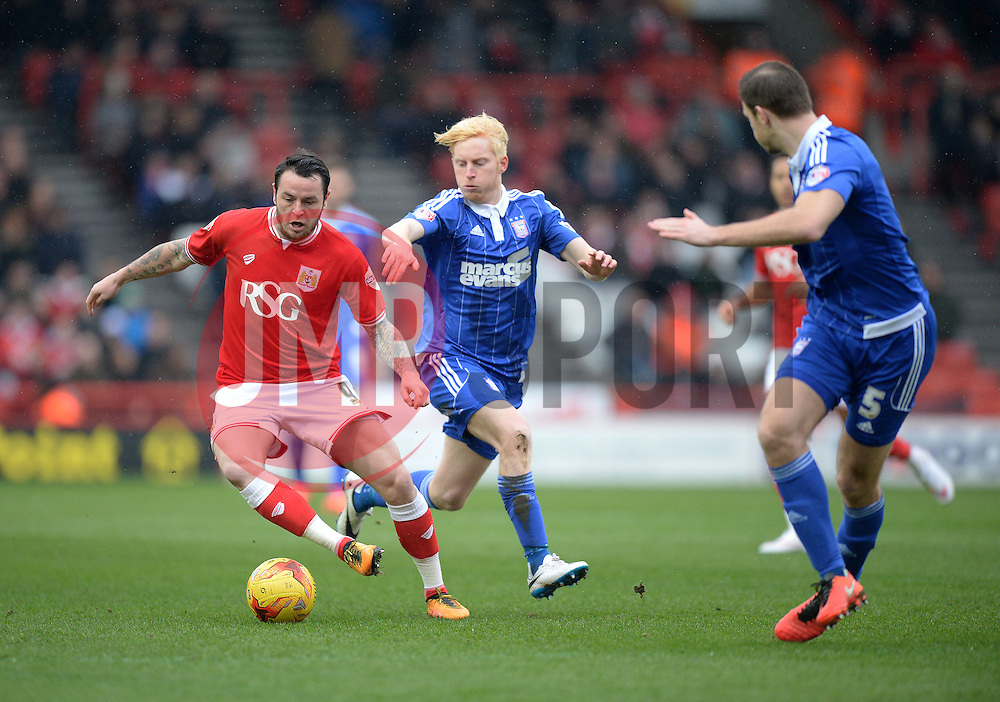 Lee Tomlin of Bristol City attacks. - Mandatory byline: Alex James/JMP - 13/02/2016 - FOOTBALL - Ashton Gate - Bristol, England - Bristol City v Ipswich Town - Sky Bet Championship