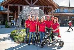 SVENICH Dr. Stefan (Teamarzt), ZEIBIG Steffen (GER), MISPELKAMP Regine (GER), PHILIPP Elke (GER), BANDO Britta (Chef d´Equipe), FLIEGL Bernhard (Bundestrainer), TRABERT Dr. Angelika (GER)<br /> Tryon - FEI World Equestrian Games™ 2018<br /> Deutsche Para-Dressur Teamfoto<br /> September 2018<br /> © www.sportfotos-lafrentz.de/Stefan Lafrentz