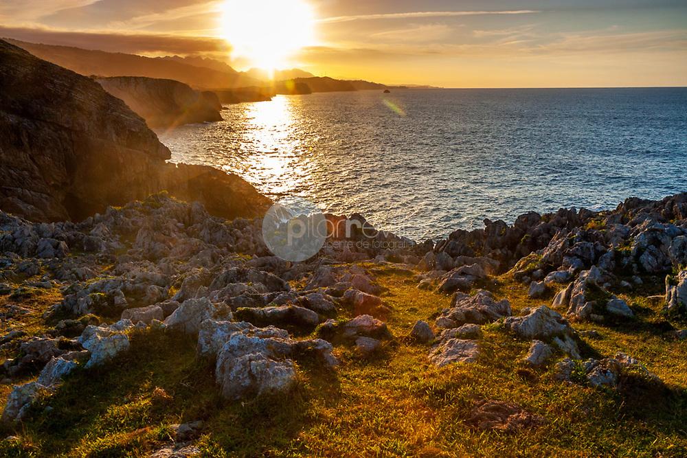 Atardecer en la costa asturiana. Pria. Llanes. Asturias ©Country Sessions / PILAR REVILLA