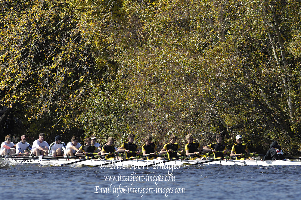 Boston, Massachusetts,  Hampton School, move through the field as they compete in the Club Men's Eight event at the Forty Second, [42nd] Head of the Charles, 21/10/2006.  Photo  Peter Spurrier/Intersport Images...[Mandatory Credit, Peter Spurier/ Intersport Images] Rowing Course; Charles River. Boston. USA