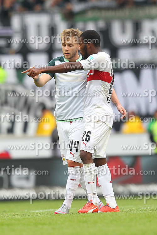 26.09.2015, Mercedes Benz Arena, Stuttgart, GER, 1. FBL, VfB Stuttgart vs Borussia Moenchengladbach, 7. Runde, im Bild Alexandru Maxim ( VfB Stuttgart ) rechts Serey Die ( VfB Stuttgart ) diskutieren nach der Niederlage // during the German Bundesliga 7th round match between VfB Stuttgart and Borussia Moenchengladbach at the Mercedes Benz Arena in Stuttgart, Germany on 2015/09/26. EXPA Pictures &copy; 2015, PhotoCredit: EXPA/ Eibner-Pressefoto/ Langer<br /> <br /> *****ATTENTION - OUT of GER*****