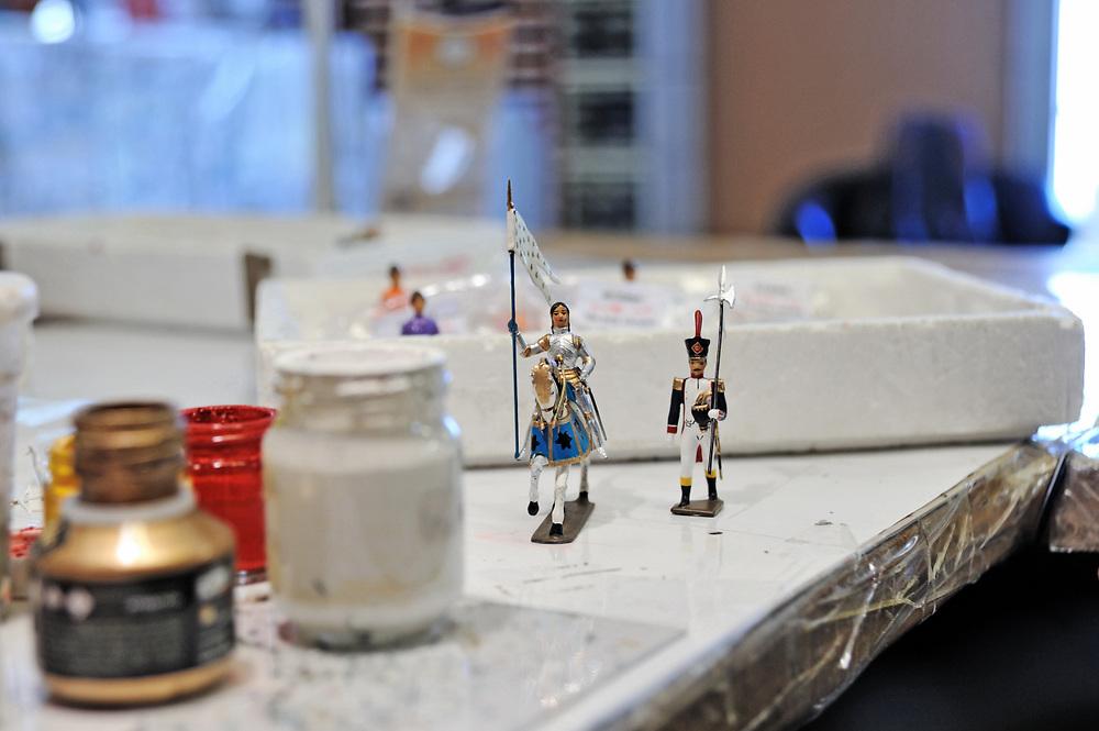 19 avril 2017: En Anjou, l'entreprise CBG Mignot dirigé par monsieur Pemzec réalise des figurines de plomb peintent à la main. LA BREILLE LES PINS (49), FRANCE.