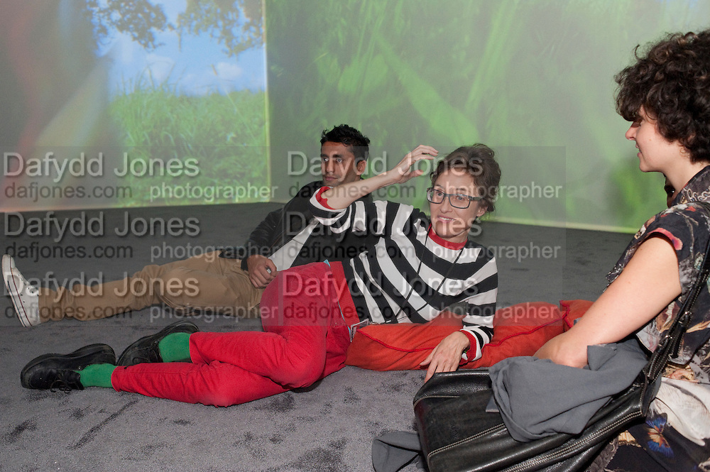 PIPILOTTI RIST, Gallerygoers at 'Eyeball Massage', Pipilotto Rist exhibition opening. Hayward Gallery. <br /> <br />  , -DO NOT ARCHIVE-© Copyright Photograph by Dafydd Jones. 248 Clapham Rd. London SW9 0PZ. Tel 0207 820 0771. www.dafjones.com.