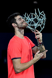 November 4, 2018 - Paris, France - Karen Khachanov (Rus) brandissant le trophee du vainqueur. (Credit Image: © Panoramic via ZUMA Press)