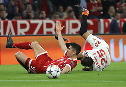 11.04.2018, Allianz Arena, Muenchen, GER, UEFA CL, FC Bayern Muenchen vs Sevilla FC, Viertelfinale, R&uuml;ckspiel, im Bild Robert Lewandowski wurde von Gabriel Mercado gefoult // during the UEFA Champions League Quarterfinal, 2nd leg Match between FC Bayern Muenchen vs Sevilla FC at the Allianz Arena in Muenchen, Germany on 2018/04/11. EXPA Pictures &copy; 2018, PhotoCredit: EXPA/ SM<br /> <br /> *****ATTENTION - OUT of GER*****