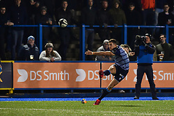 Steve Shingler of Cardiff Blues converts his sides try - Mandatory by-line: Craig Thomas/JMP - 04/11/2017 - RUGBY - BT Sport Cardiff Arms Park - Cardiff, Wales - Cardiff Blues v Zebre Rugby Club - Guinness Pro 14