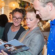 NLD/Amsterdam/20160529 , Boekpresentatie Het Groot Nederlands Knuffelboek van Gallyon van Vessem, Bidget Maasland  en Nick van Ormondt
