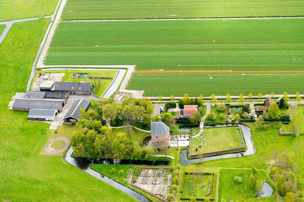 Nederland, Zuid-Holland, Lisse, 28-04-2017; Kasteel Dever of 't Huys Dever, <br /> Dever mansion.<br /> luchtfoto (toeslag op standard tarieven);<br /> aerial photo (additional fee required);<br /> copyright foto/photo Siebe Swart