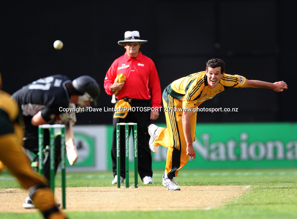 Australia's Clint McKay bowls a bouncer at Shane Bond.<br /> Fifth Chappell-Hadlee Trophy one-day international cricket match - New Zealand v Australia at Westpac Stadium, Wellington. Saturday, 13 March 2010. Photo: Dave Lintott/PHOTOSPORT