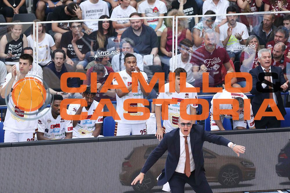Esultanza panchina Venezia, Dolomiti Energia Trentino vs Umana Reyer Venezia LBA Serie A Playoff Finale gara 4 stagione 2016/2017 Pala Trento, Trento 16 giugno 2017