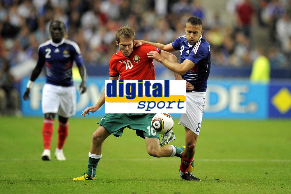 FOOTBALL - UEFA EURO 2012 - QUALIFYING - GROUP D - FRANCE v BELARUS - 3/09/2010 - PHOTO JEAN MARIE HERVIO / DPPI - JEREMY MENEZ (FRA) / ALEKSANDR HLEB (BIE)