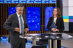 RELEASE DATE: May 13, 2016.TITLE: Money Monster.STUDIO: TriStar Pictures.DIRECTOR: Jodie Foster.PLOT: Financial TV host Lee Gates and his producer Patty are put in an extreme situation when an irate investor takes over their studio.PICTURED: George Clooney, Julia Roberts.(Credit: © TriStar Pictures/Entertainment Pictures/ZUMAPRESS.com)