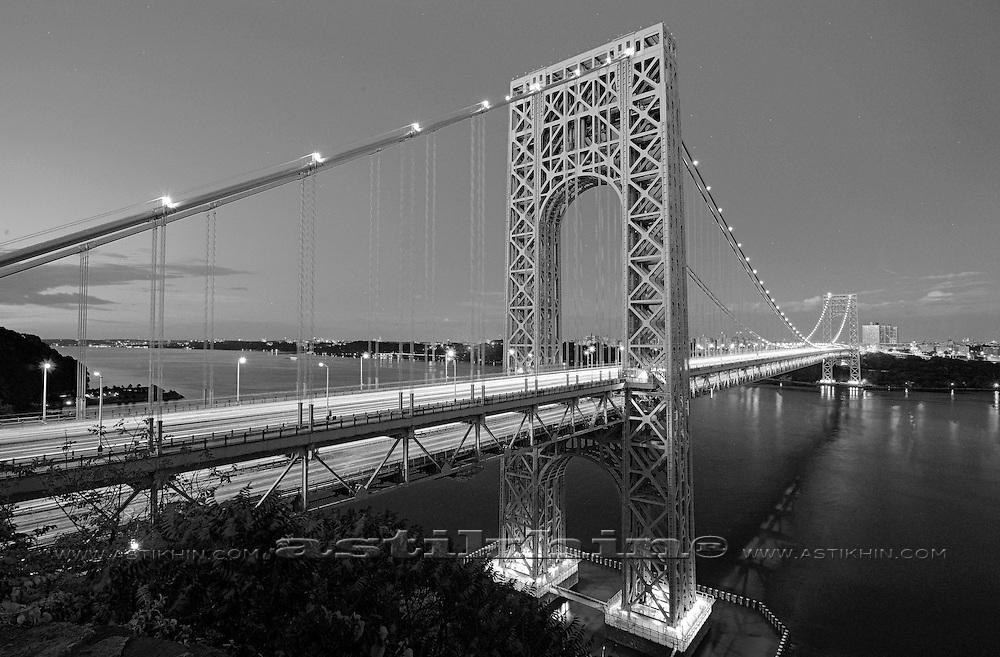 Night on Hudson River, New York City.