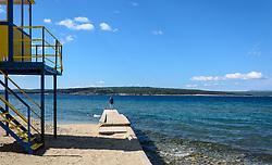 THEMENBILD - Ein Kind steht am Strand von Crikvenica und schaut aufs Meer Richtung Inserl Krk, aufgenommen am 19. April 2017, Crikvenica, Kroatien // A child stands on the beach of Crikvenica and looks out towards the sea towards Inserl Krk, on 2017/04/19, Crikvenica, Croatia. EXPA Pictures © 2017, PhotoCredit: EXPA/ Stefanie Oberhauser