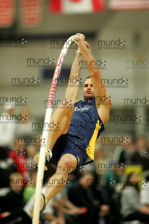 (Windsor, Ontario---13 March 2010) \lancers\ competes in the men's pole vault at the 2010 Canadian Interuniversity Sport Track and Field Championships at the St. Denis Center. Photograph copyright Sean Burges/Mundo Sport Images. www.mundosportimages.com