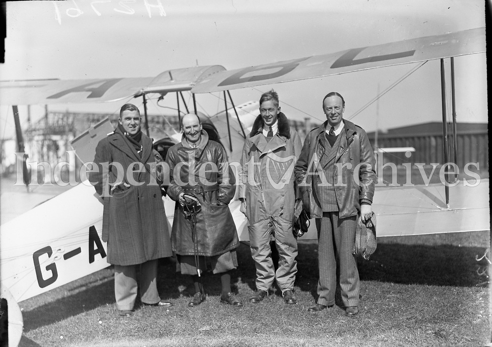 Italian Air Armada at Derry, a group of men at an aircraft <br /> 03 July 1933<br /> (Part of the Independent Newspapers Ireland/NLI Collection)