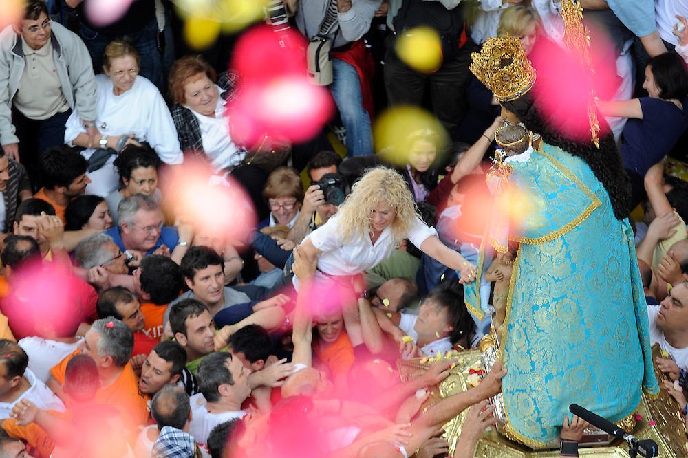 """Day of """"Virgen de los desamparados"""", patron saint of Valencia on May, 10th 2009."""