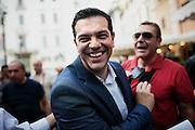 """Alexis Tsipras, durante il comizio politico de """"L'altra Europa"""" in piazza Farnese. Roma, 18 luglio 2014. Christian Mantuano / OneShot"""