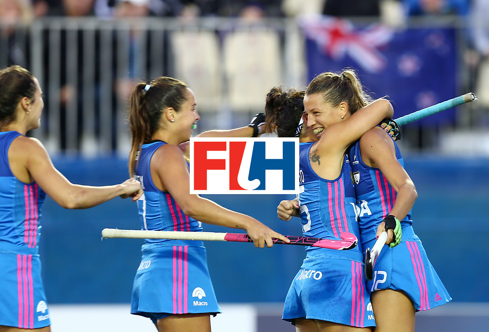 New Zealand, Auckland - 22/11/17  <br /> Sentinel Homes Women&rsquo;s Hockey World League Final<br /> Harbour Hockey Stadium<br /> Copyrigth: Worldsportpics, Rodrigo Jaramillo<br /> Match ID: 10304 - ARG vs NZL<br /> Photo: (12) MERINO Delfina celebraiting,  (15) GRANATTO Maria Eugenia and (29) GOMES Julia