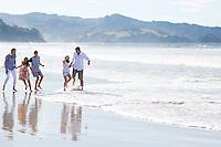 jenkins family photos at matarangi on the coromandel peninsula on a stunning sumer afternoon by felicity jean photography coromandel photographer