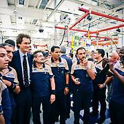 MARCHIONNE in fabbrica tra gli operai della Maserati