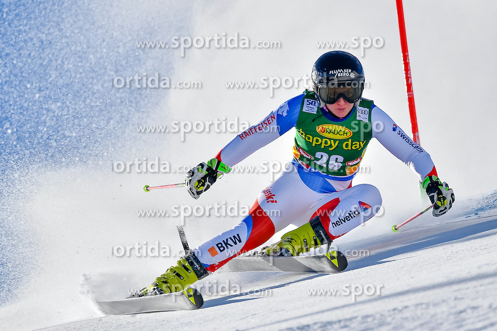 22.10.2016, Rettenbachferner, Soelden, AUT, FIS Weltcup Ski Alpin, Soelden, Riesenslalom, Damen, 1. Durchgang, im Bild Simone Wild (SUI) // Simone Wild of Switzerland in action during 1st run of ladies Giant Slalom of the FIS Ski Alpine Worldcup opening at the Rettenbachferner in Soelden, Austria on 2016/10/22. EXPA Pictures &copy; 2016, PhotoCredit: EXPA/ Nisse Schmid<br /> <br /> *****ATTENTION - OUT of SWE*****