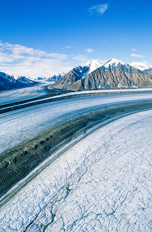 Canada . Yukon Territory , Kaskawulsh Glacier and St Elias Mts in Kluane National Park .