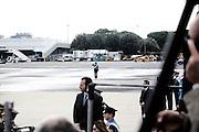 CIAMPINO. UN CARABINIERE SUGLI ATTENTI ALL'ARRIVO DELLE SALME DEI MILITARI CADUTI IN AFGHANISTAN A CIAMPINO