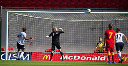 LLANELLI, WALES - Thursday, August 22, 2013: England's Nikita Parris sees her penalty kick against Wales' goalkeeper Alice Evans onto the cross-bar during the Group A match of the UEFA Women's Under-19 Championship Wales 2013 tournament at Parc y Scarlets. (Pic by David Rawcliffe/Propaganda)