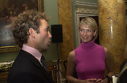 John Francombe and Tracey Bailey. The Spencer House draw in aid of the Countryside Alliance. 28 November 2000. © Copyright Photograph by Dafydd Jones 66 Stockwell Park Rd. London SW9 0DA Tel 020 7733 0108 www.dafjones.com
