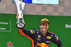 April 15, 2018 - Shanghai, China - Shanghai: Motorsports: Formula 1 2018 Heineken Chinese Grand Prix.Chinese Formula One Grand Prix Shanghai Circuit in Shanghai, China.#3 Daniel Ricciardo (AUS, Red Bull Racing) (Credit Image: © Hoch Zwei via ZUMA Wire)