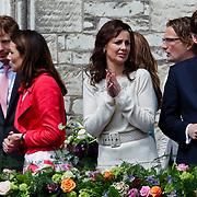NLD/Middelburg/20100430 -  Koninginnedag 2010, Aimee en partner Floris, Anita van Eijk en partner Pieter - Christiaan