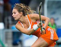 BOOM - Eva de Goede tijdens de eerste poule wedstrijd van Oranje tijdens het Europees Kampioenschap hockey   tussen de vrouwen Nederland en Ierland (6-0). ANP KOEN SUYK