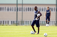 FOTBALL - FRENCH CHAMPIONSHIP 2003/2004 - PARIS SG - 030628 - REINALDO DURING THE PSG TRAINING IN CAMP DES LOGES - PHOTO GUY JEFFROY / DIGITALSPORT